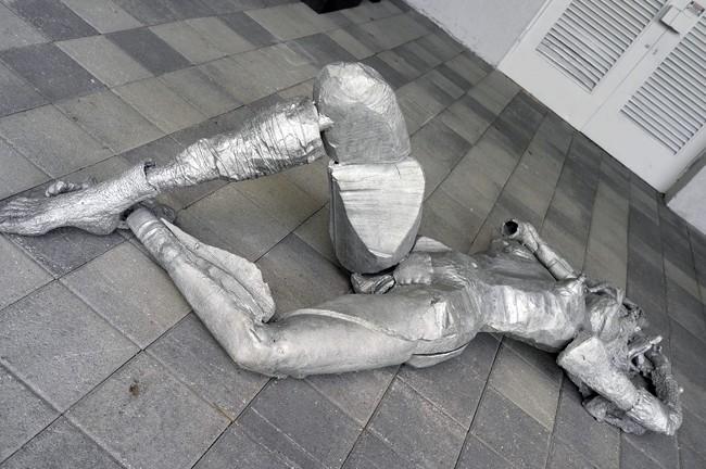 Pawel Althamer sculpture – nice one.