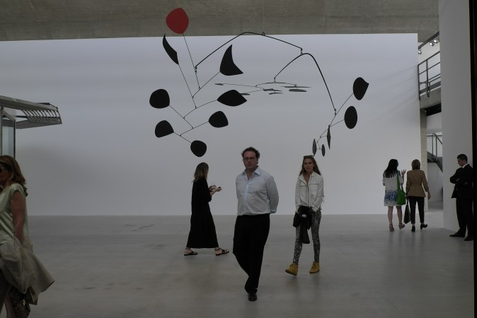 A very large Calder mobile, airport sized... and a nice one.