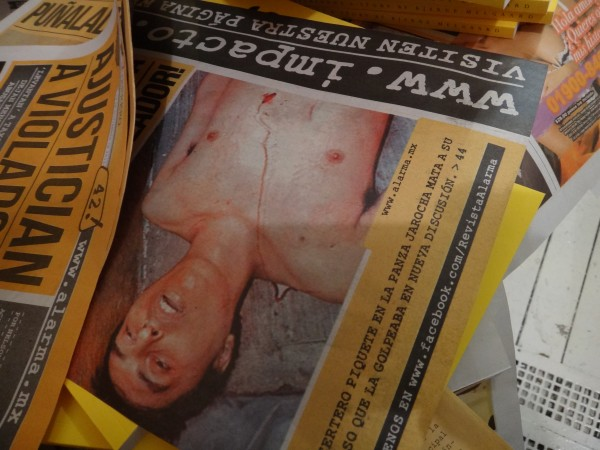 ALARMA! is a tabloid in Mexico of gore and the macabre world of Mexico's Cartel warfare. Funny way for Bjarne to tell a love story.