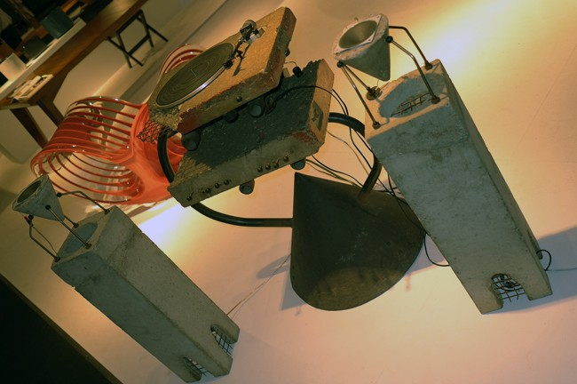 I love Ron Arad concrete stereos! From the 80s, so cool.
