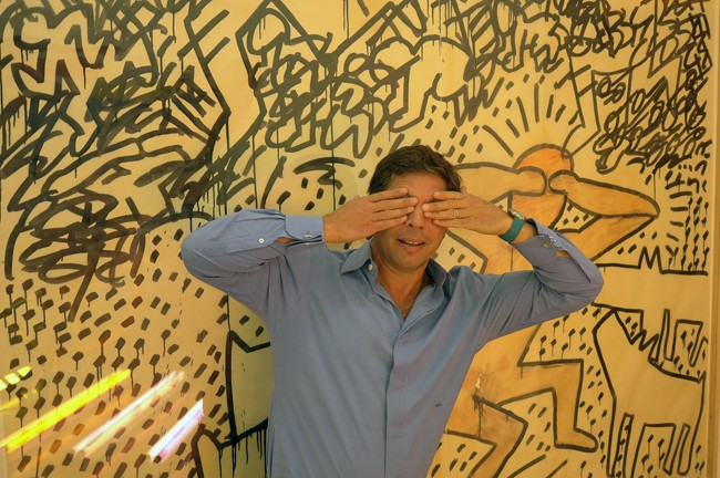 Hey, Keith Haring hide-and-seek.