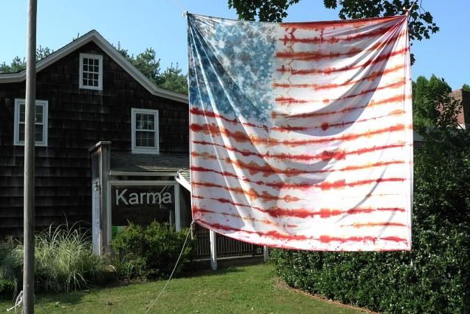 Nice flag! Jasper Johns can….
