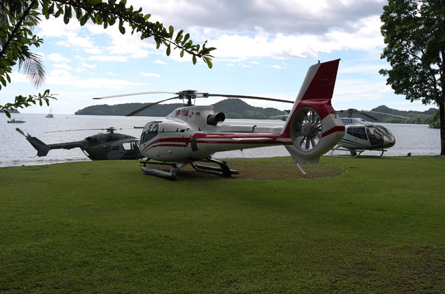 The President came to neighbor Daniel's house with three helicopters.