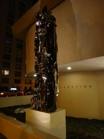 Large new sculpture glamorizes the Guggenheim.