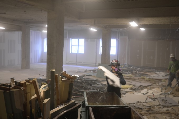 Well, at least they're trying to tidy up what once was the Vera Wang bridal boutique (hahaha) but long ago this was Sotheby Parke-Bennet's auction room!!! How cool is that?!