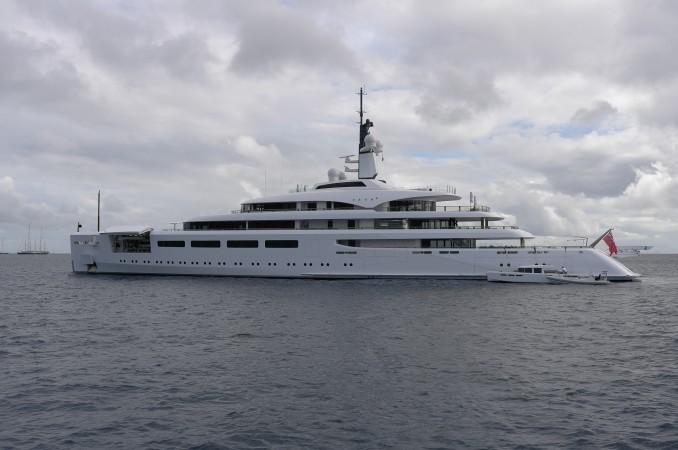 Check out Berterelli's brand new motor yacht, Va Va... pretty f---ing  cool!