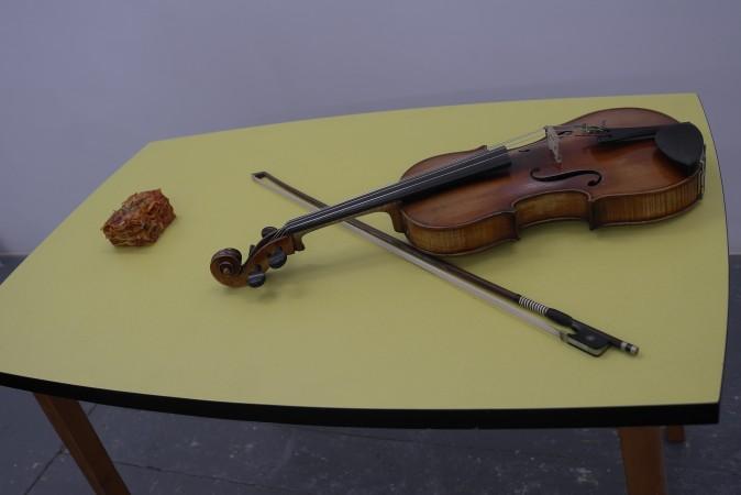 Hey, it's a violin with lasagna